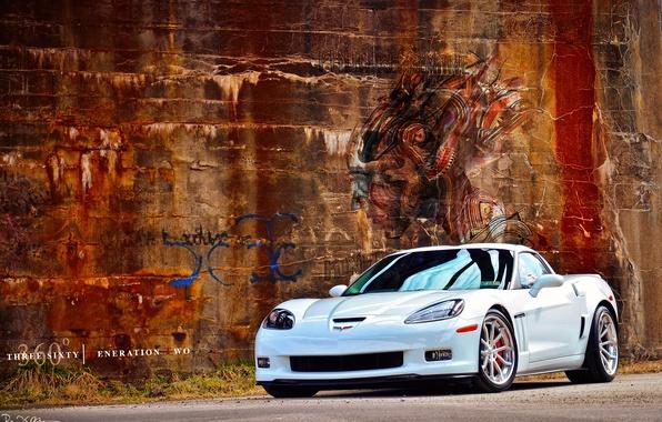 Картинка белый, стена, граффити, Chevrolet, диски, By 360 Forged Willam Stern, 360 Forged GT V Spoke, …