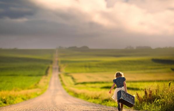 Картинка дорога, путь, простор, девочка, чемодан, боке