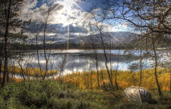 Картинка осень, солнце, деревья, пейзаж, озеро, лодка