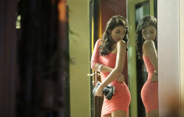 Картинка отражение, платье, зеркало, girl, sexy, ass, butt, Does my butt look good