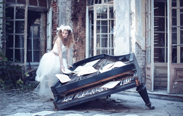 Картинка девушка, ноты, пианино, Karina Bratkowska
