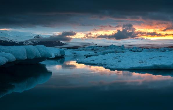 Картинка лед, небо, облака, снег, закат, озеро, отражение, вечер, лагуна, Исландия, ледники