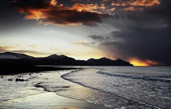 Картинка море, волны, пляж, закат, горы, скалы, вечер
