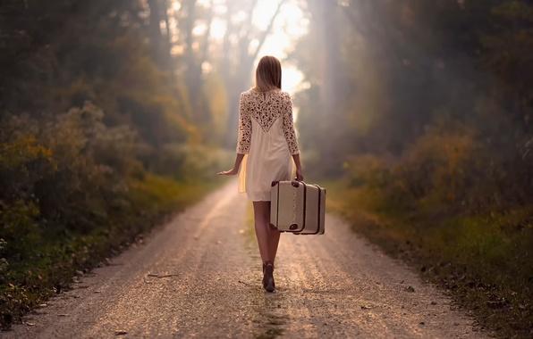 Картинка дорога, девушка, путь, чемодан
