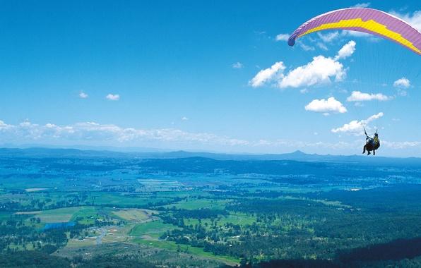 Картинка небо, облака, полет, горы, земля, человек, высота, параглайдинг, Параплан