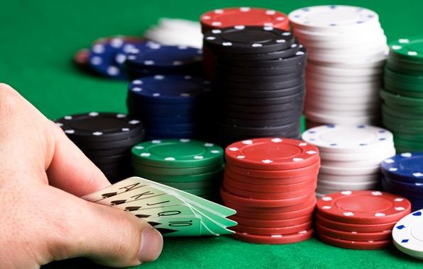 Картинка карты, азартные игры, фишки, масть, покер, флешь-рояль