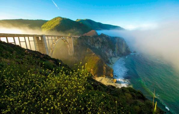 Картинка море, небо, мост, туман, скалы, побережье, Калифорния, США, солнечно, Bixby Bridge
