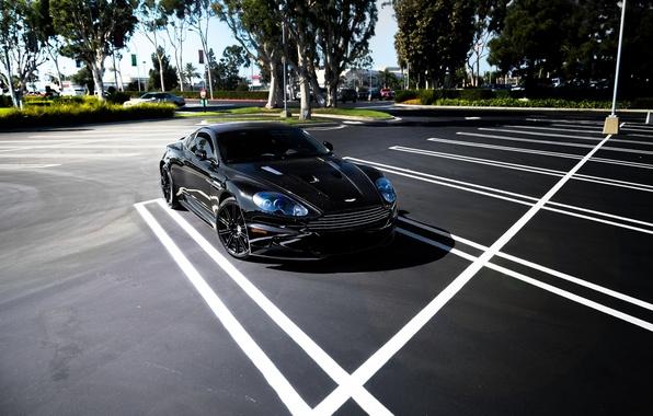 Картинка деревья, чёрный, Aston Martin, тень, DBS, парковка, black, Астон Мартин, ДБС