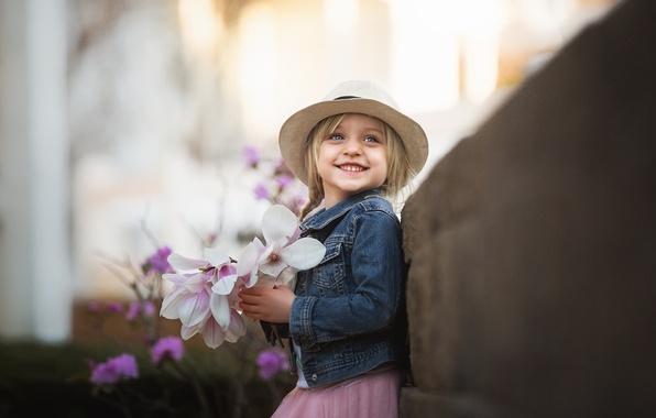Фото обои девочка, улыбка, цветы