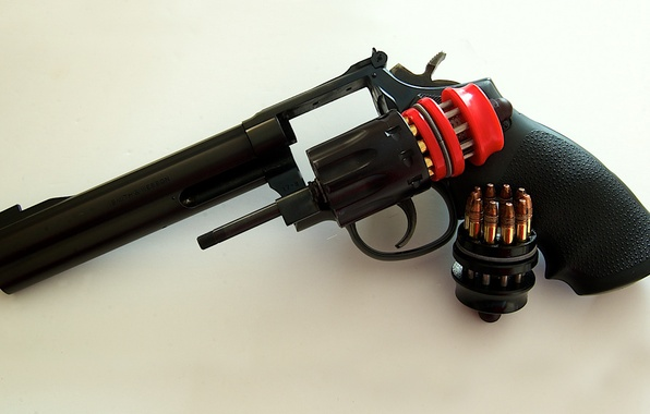 Картинка пистолет, оружие, патроны, револьвер, барабан, Smith & Wesson