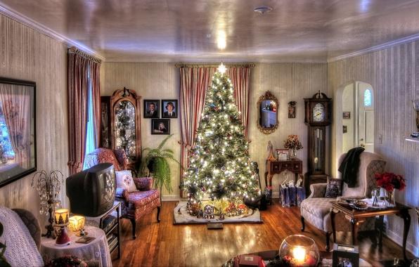 Картинка украшения, огни, дом, комната, праздник, игрушки, мебель, часы, интерьер, свечи, гирлянда, Ёлка, антикварная