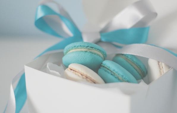 Картинка фон, коробка, голубой, обои, настроения, еда, печенье, лента, пирожное, бантик, крем, сладкое, упаковка