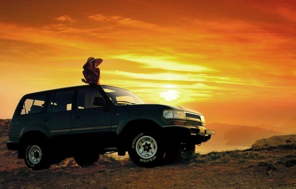 Картинка девушка, закат, фон, джип, внедорожник, Toyota, передок, Тойота, Land Cruiser, Ленд Крузер