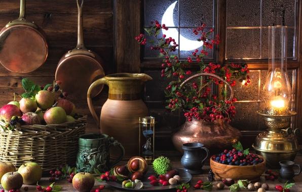 Картинка ягоды, яблоки, лампа, натюрморт, каштаны