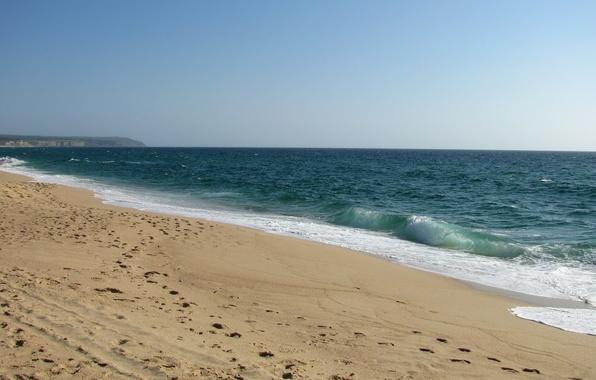 Картинка песок, море, волны, пляж, лето, небо, пена, вода, брызги, следы, природа, гладь, океан, земля, widescreen, …