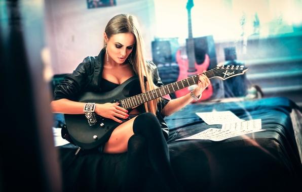 Картинка девушка, игра, гитара