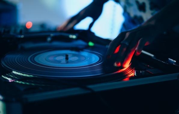 Фото обои винил, диджей, musical instrument, размытость, музыкальный, wallpaper., боке, звук свет огни, вертушки, scratching party, dj ...