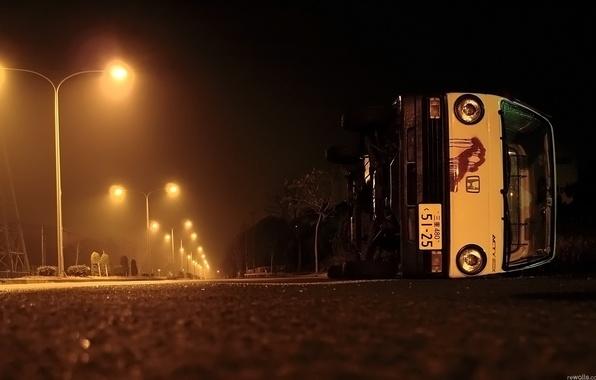 Картинка дорога, авто, ночь, улица, фонари, Ситуации, обочина, овария
