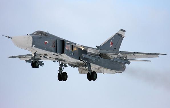 Картинка Огни, ВВС, Бомбардировщик, России, Су-24, Сухой, Посадка, Вооружение, Шасси, Su-24