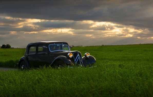 Картинка поле, машина, ночь