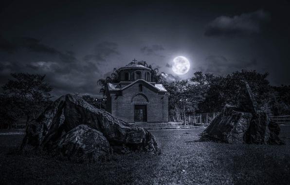 Картинка небо, трава, облака, ночь, камни, луна, церковь, полнолуние