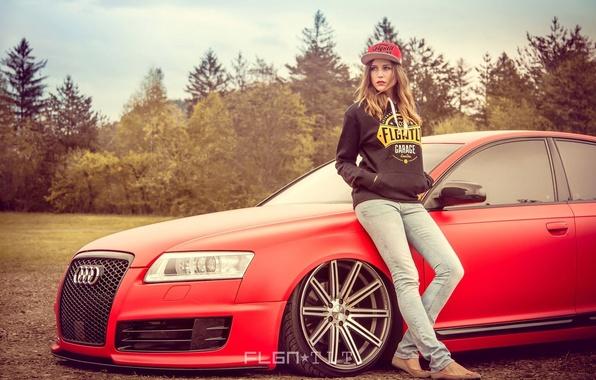 Картинка авто, девушка, красный, Audi, ауди, фары, тюнинг, колёса