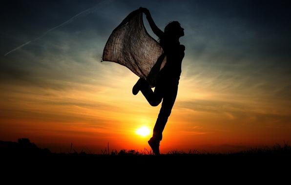 Картинка девушка, закат, прыжок, силуэт