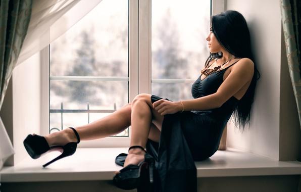 Картинка окно, декольте, ножки, прелесть, Антон Печкуров