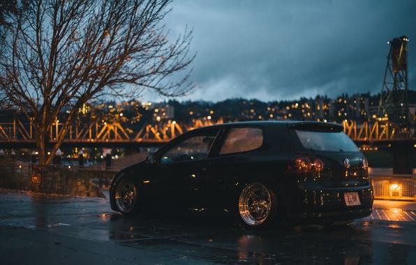 Картинка облака, ночь, мост, город, огни, река, дерево, Volkswagen, колеса, Golf