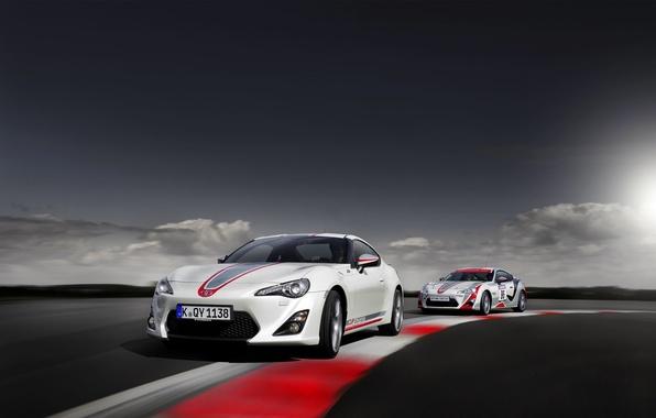 Картинка Авто, Поворот, Toyota, Тойота, GT86, В Движении, Два, GT 86, Cup Edition
