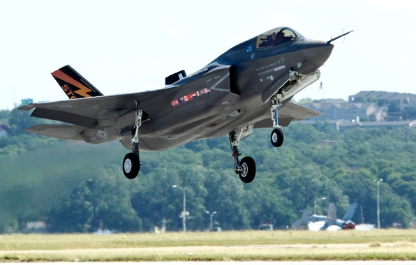Картинка самолёт, взлёт, истребитель-бомбардировщик, «Локхид-Мартин», F-35 «Lightning II», «Lockheed Martin», Ф-35 «Молния» II)