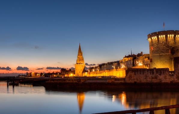 Картинка город, огни, побережье, Франция, вечер, залив, крепость, архитектура, France, La Rochelle, Esplanade St Jean d'Acre, …