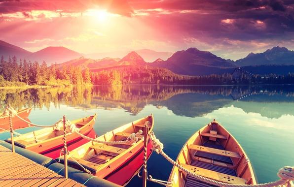 Картинка небо, пейзаж, горы, озеро, отдых, берег, спокойствие, тишина, лодки, утро, размытость, причал, summer, отель, мостик, …