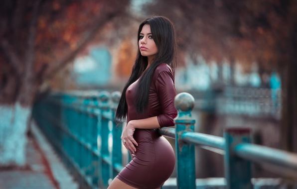 Саски через платье