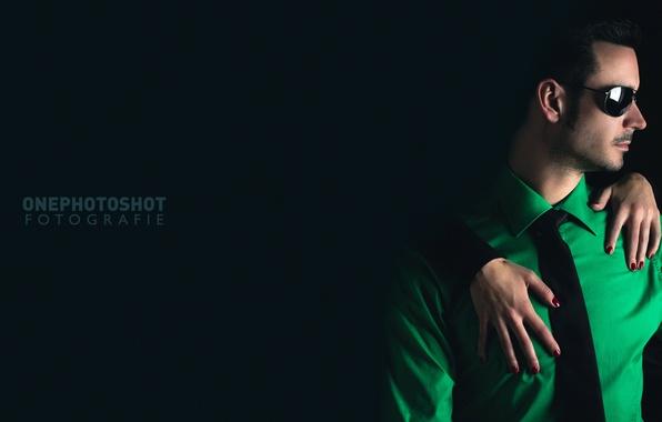 Картинка рука, очки, фотограф, рубашка, парень, photography, photographer, Florian Seelmann