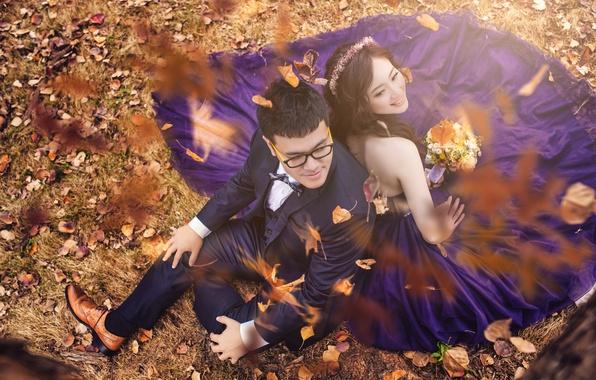 Картинка осень, листья, девушка, пара, парень, свадьба