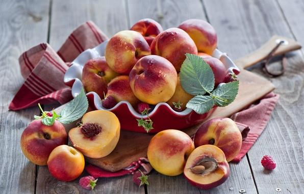 Картинка листья, ягоды, малина, посуда, доска, фрукты, персики, нектарин, Anna Verdina
