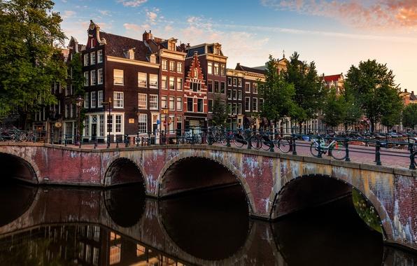 Картинка мост, город, река, здания, дома, Амстердам, канал, Нидерланды, Amsterdam, велосипеды, Nederland