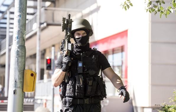 Картинка soldier, military, helmet, assault rifle, uniform, equipment