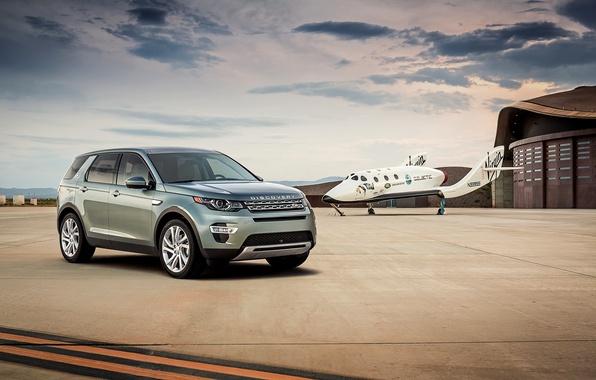 Картинка самолет, спорт, ангар, Land Rover, аэродром, Discovery, Sport, кроссовер, дискавери, ленд ровер, 2015