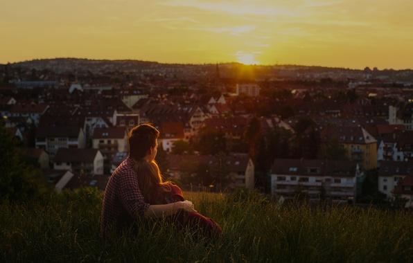 Картинка зелень, трава, девушка, любовь, закат, city, город, тепло, фон, отдых, обои, романтика, настроения, женщина, нежность, …