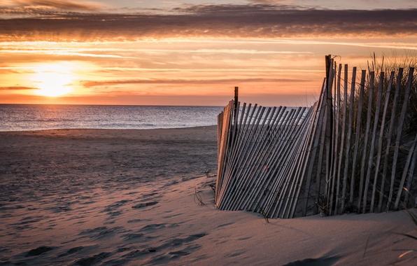 Картинка море, пляж, пейзаж, закат, забор