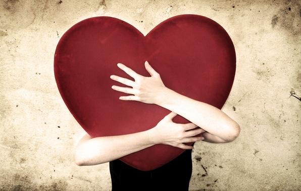 Картинка настроение, сердце, человек, руки, объятие