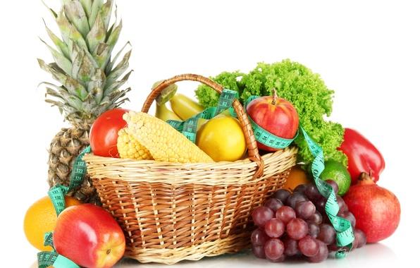 Картинка лимон, корзина, яблоки, кукуруза, виноград, бананы, лента, белый фон, перец, фрукты, ананас, натюрморт, овощи, помидор, …