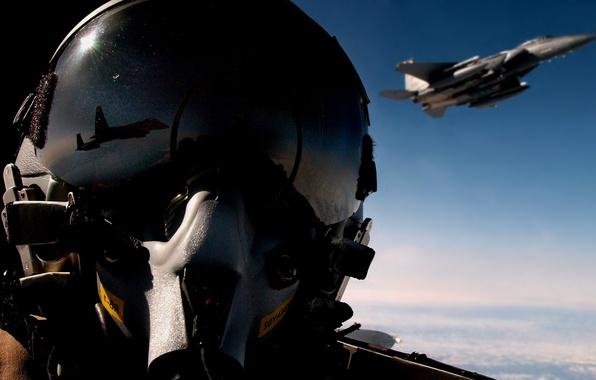 Картинка отражение, самолет, истребитель, шлем, пилот, в небе, авиа