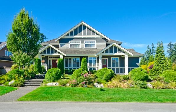 Картинка дорога, небо, трава, солнце, деревья, дизайн, дом, газон, голубое, тротуар, особняк, кусты