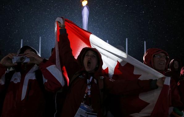 Картинка огонь, флаг, Канада, факел, Canada, болельщики, фанаты, flag, canadian, Сочи, fans, 2014, Sochi, олимпийский