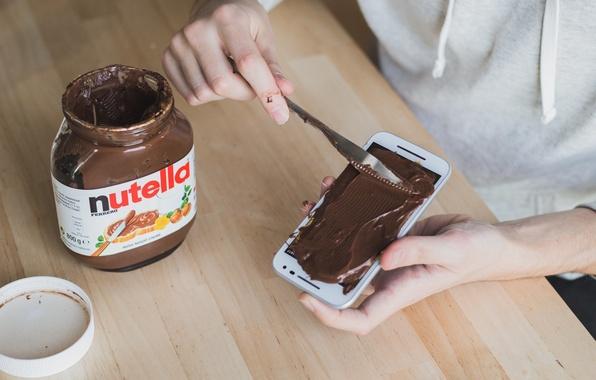 Картинка Нож, Стол, Руки, Nutella, Phone, Шоколадная паста