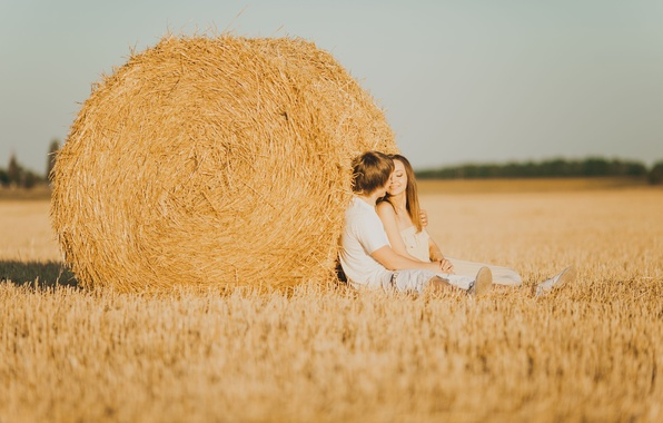 Картинка девушка, любовь, природа, улыбка, фон, настроения, чувства, сено, пара, мужчина, love, парень, влюбленные, широкоформатные, полноэкранные, …