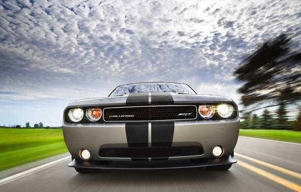 Картинка полосы, Небо, Облака, Авто, Машина, Додж, Решетка, Серый, Dodge, Challenger, Фары, Передок